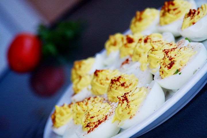 Huevos rellenos sin carbohidratos